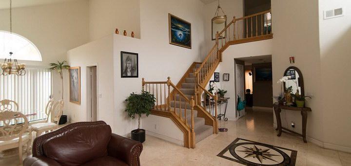 Расчет лестницы на второй этаж с поворотом на 90