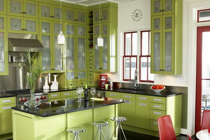 Оформление окна на кухне в современном стиле: фото
