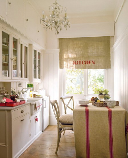 Малогабаритные кухни 5 кв. м (фото): угловые с холодильником