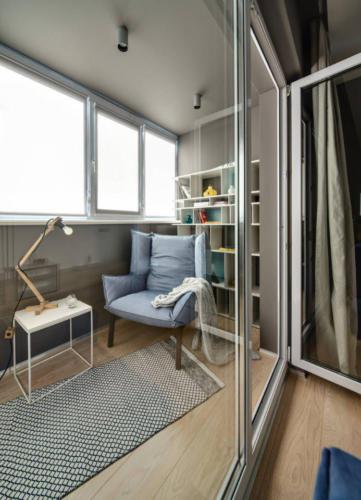 Вариант оформления зоны отдыха на балконе