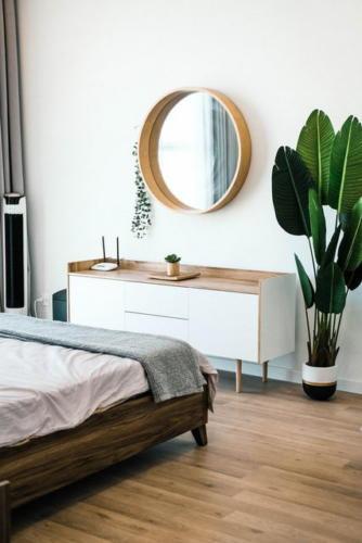 Зеркало с растениями