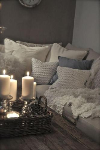 Текстиль на диване