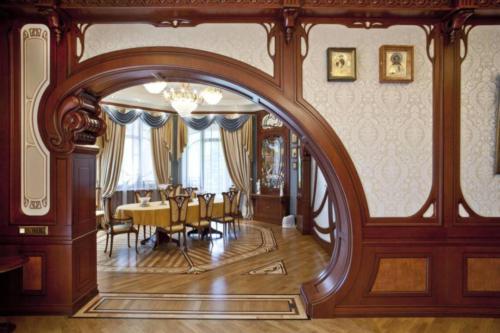 Асимметричный арочный вход